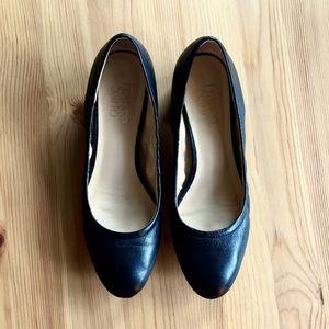 Franco Sarto Black Dress Shoes (size 7.5)